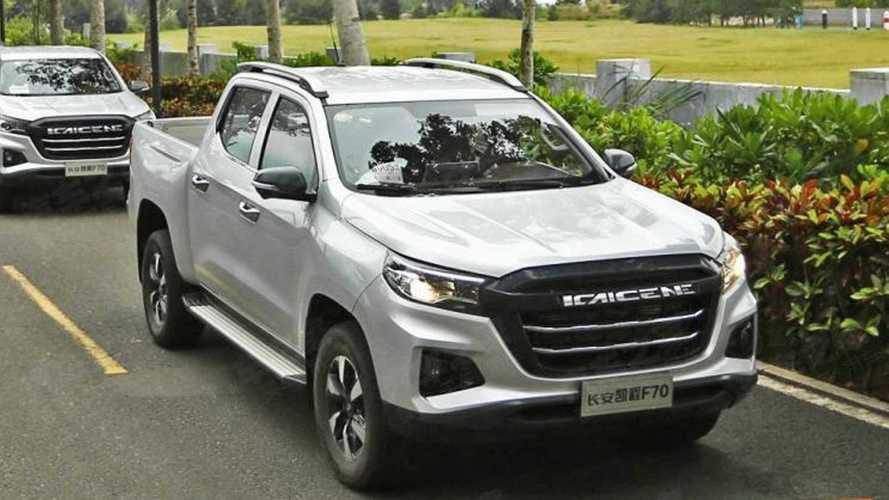 Picape média da Peugeot tem interior adiantado por modelo chinês