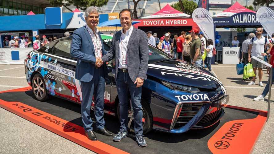 Toyota si allea con Eni per portare l'auto a idrogeno in Italia