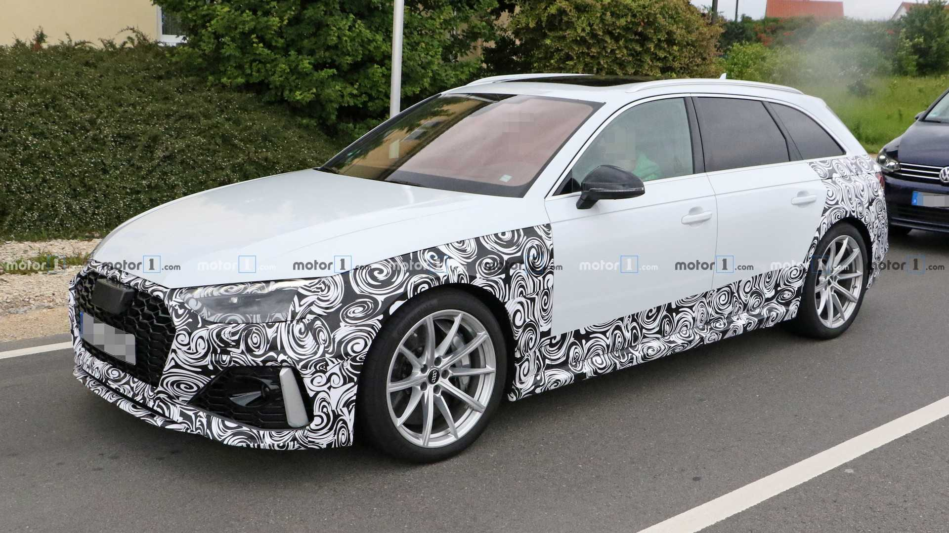 2020 Audi Rs4 Avant Spied Up Close Showing Its Facelift