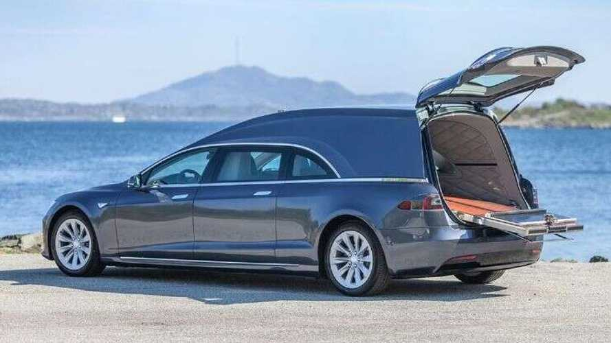Tesla Model S carro funebre