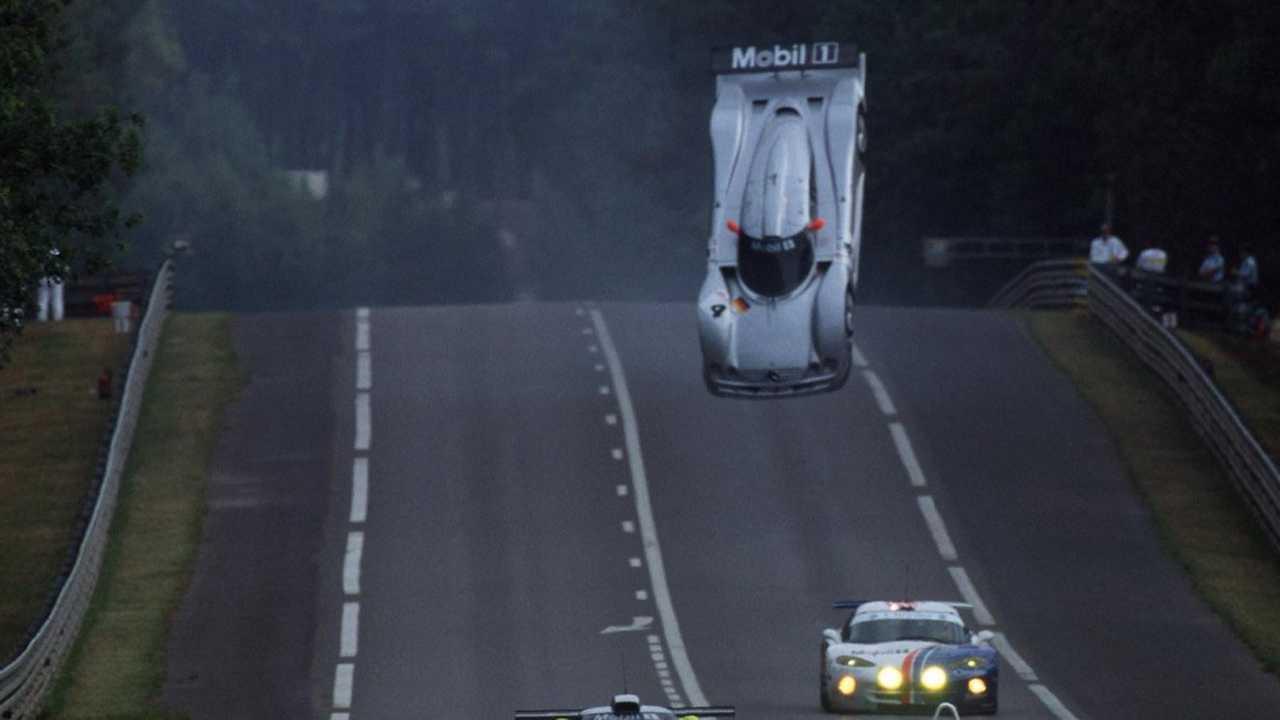 La Mercedes-Benz CLR s'envole au Mans