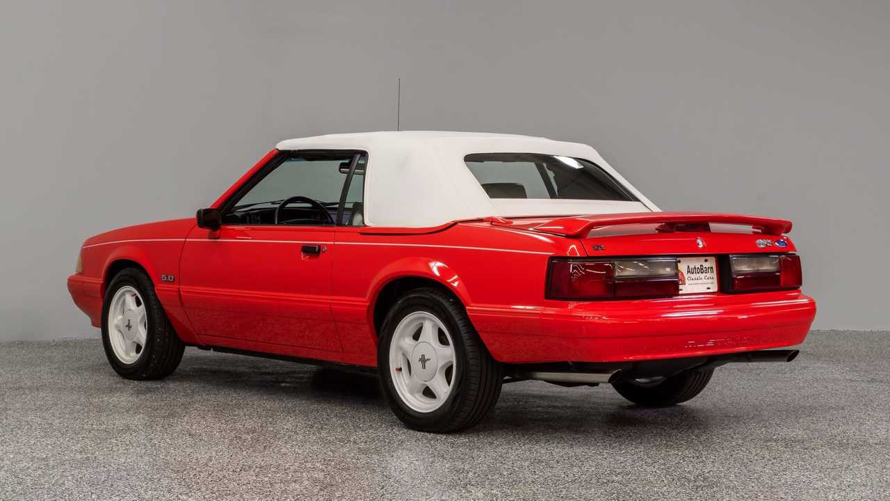 Have Some Summer Fun In This Special Edition 1992 Mustang