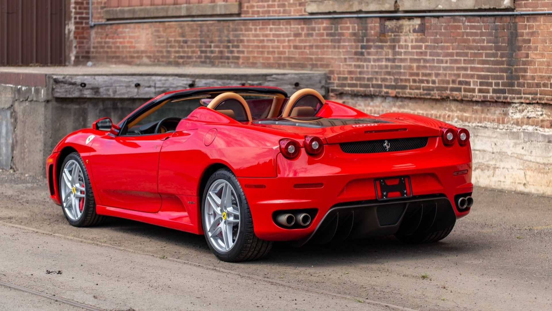 "[""Ferrari F430 Spider Comes With A Gated Manual""]"