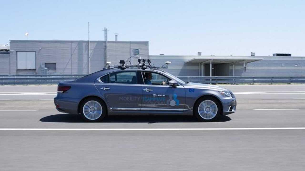 Lexus LS autonome