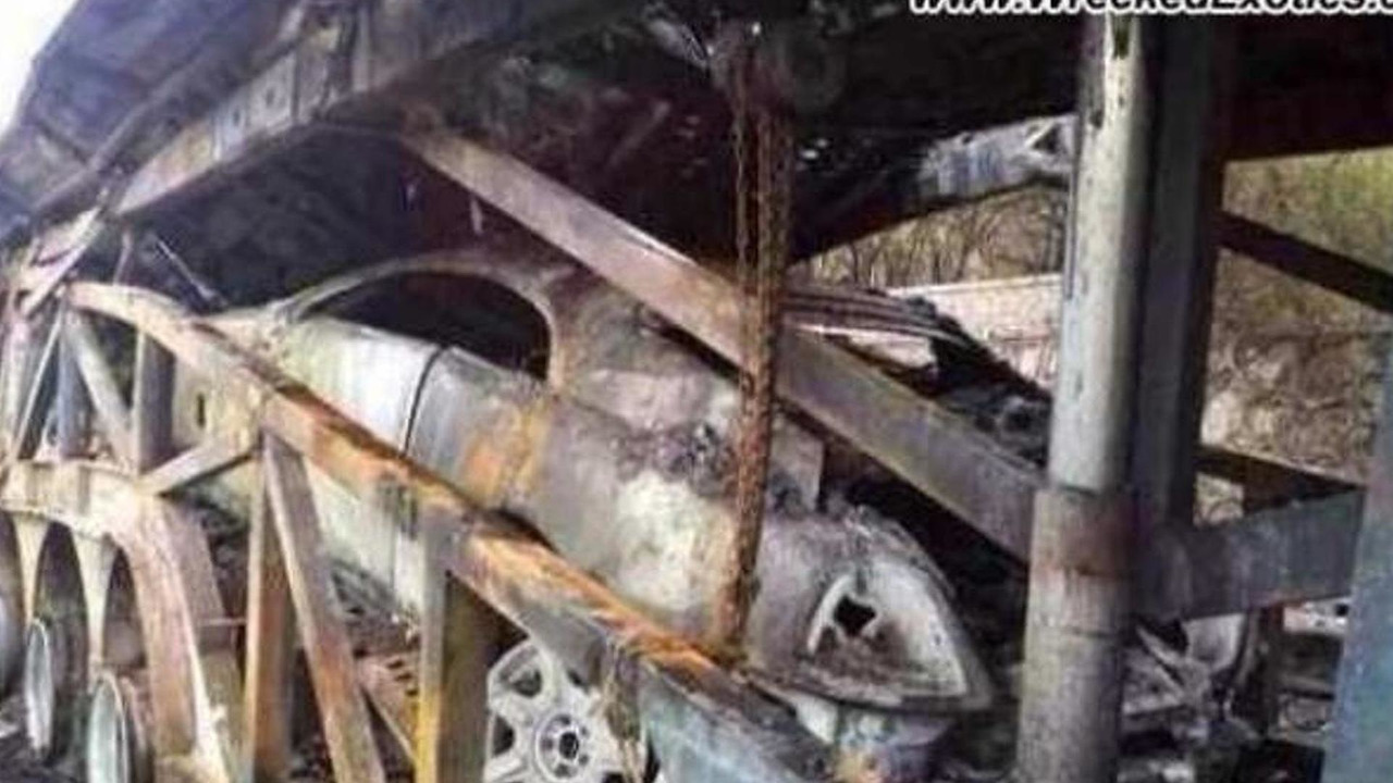Rolls-Royce Wraith burned to the ground in China