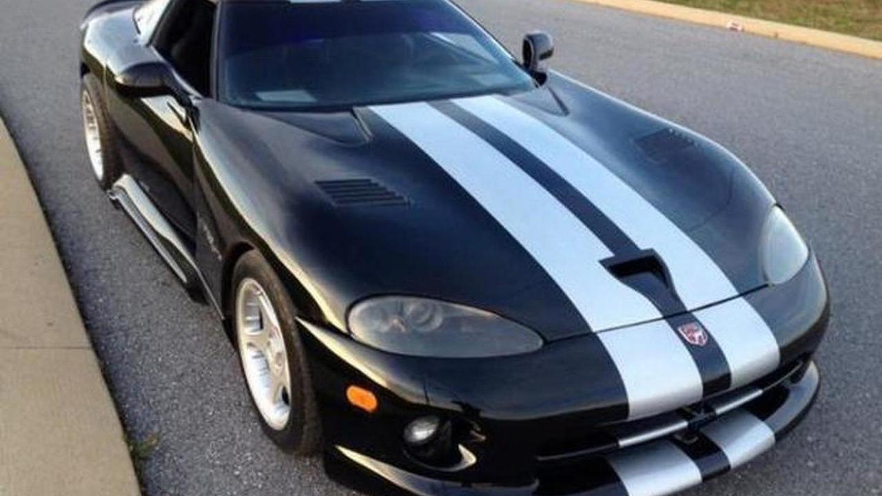 Dodge Viper replica based on Corvette C4 31.10.2013
