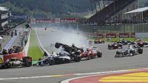 Belgian GP first corner crash 02.09.2012