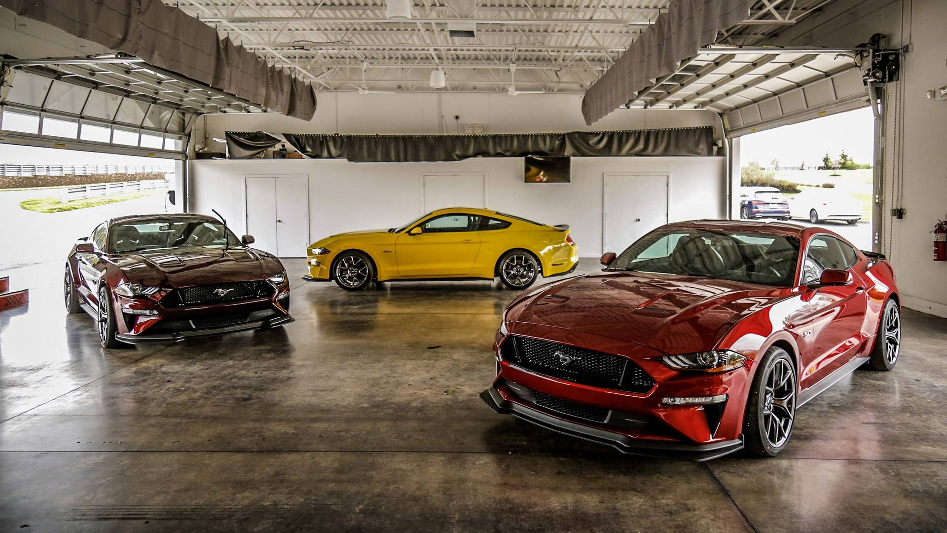 2018 ford mustang gt performance package level 2 first drive a value priced gt350