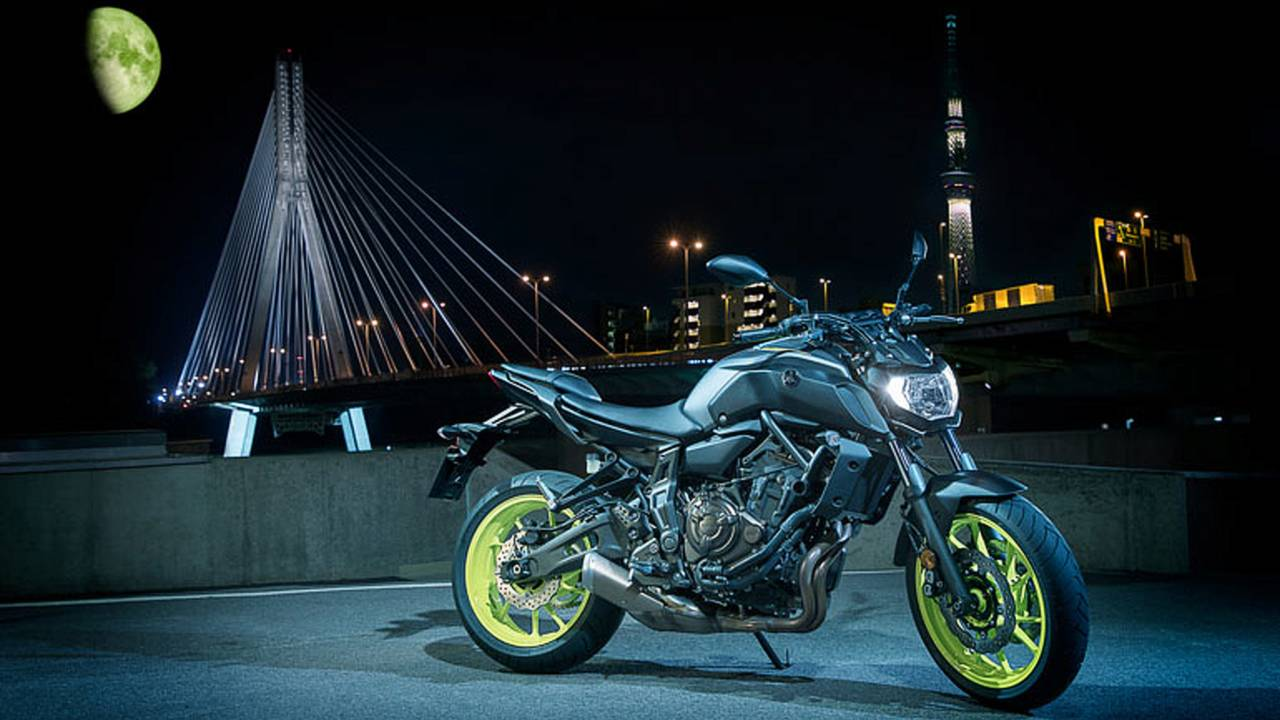 first ride 2018 yamaha mt 07. Black Bedroom Furniture Sets. Home Design Ideas
