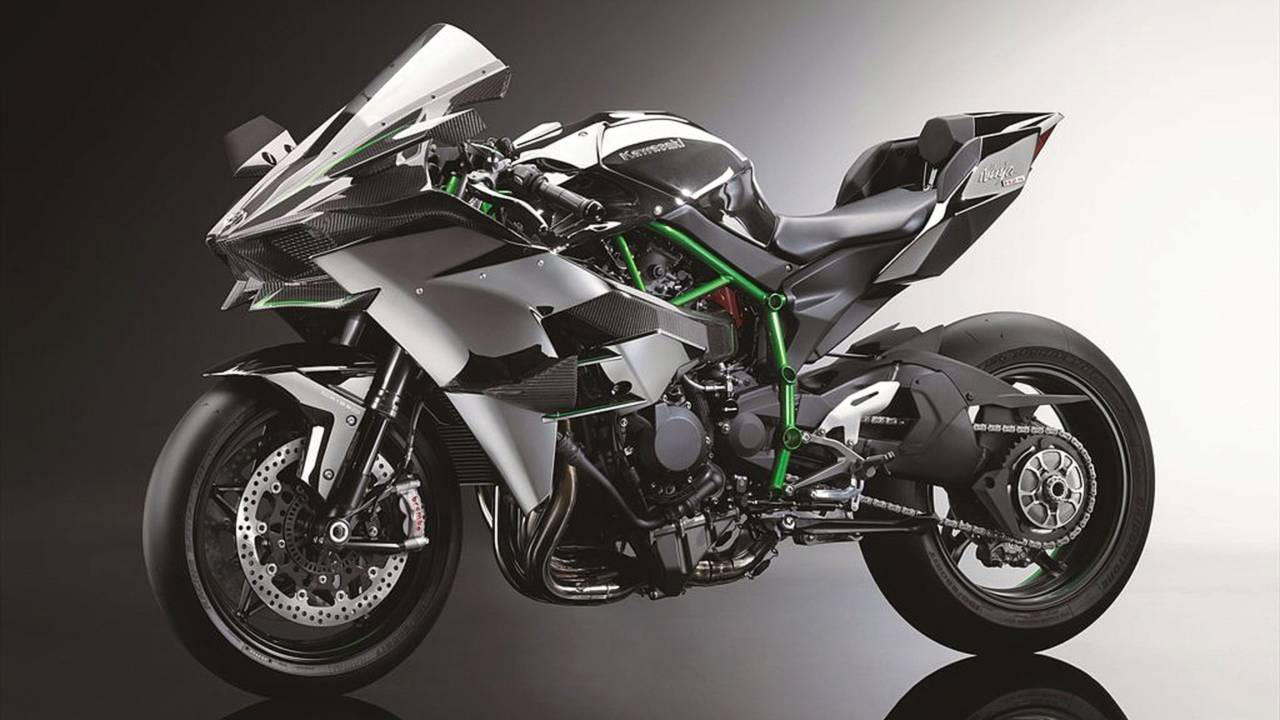 300hp Kawasaki Ninja H2 and H2R Specs & Details Revealed