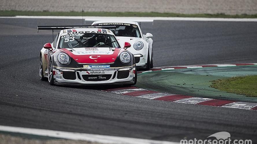 Ayhancan Güven Porsche Cup'ta yıldızlaştı