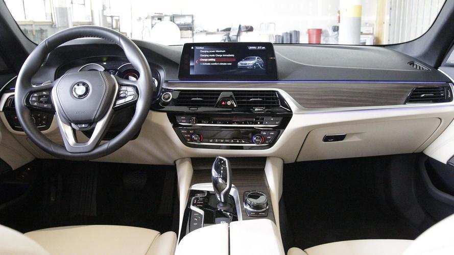 2018 Bmw 530e Vs 2017 Cadillac Ct6 Plug In