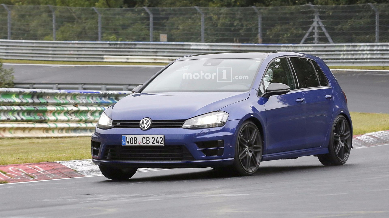 VW Golf R420 2018 - Flagra