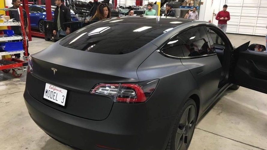 prototype de la tesla model 3 foto france. Black Bedroom Furniture Sets. Home Design Ideas
