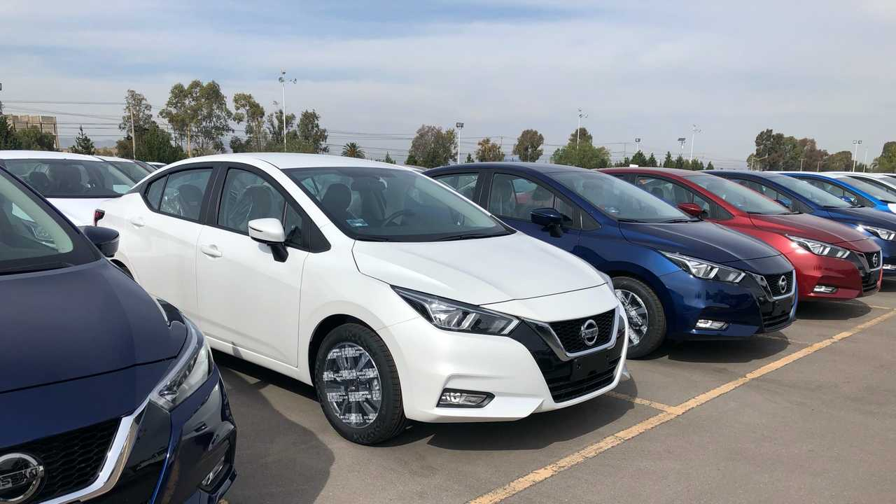 Novo Nissan Versa - Ao Vivo (México)