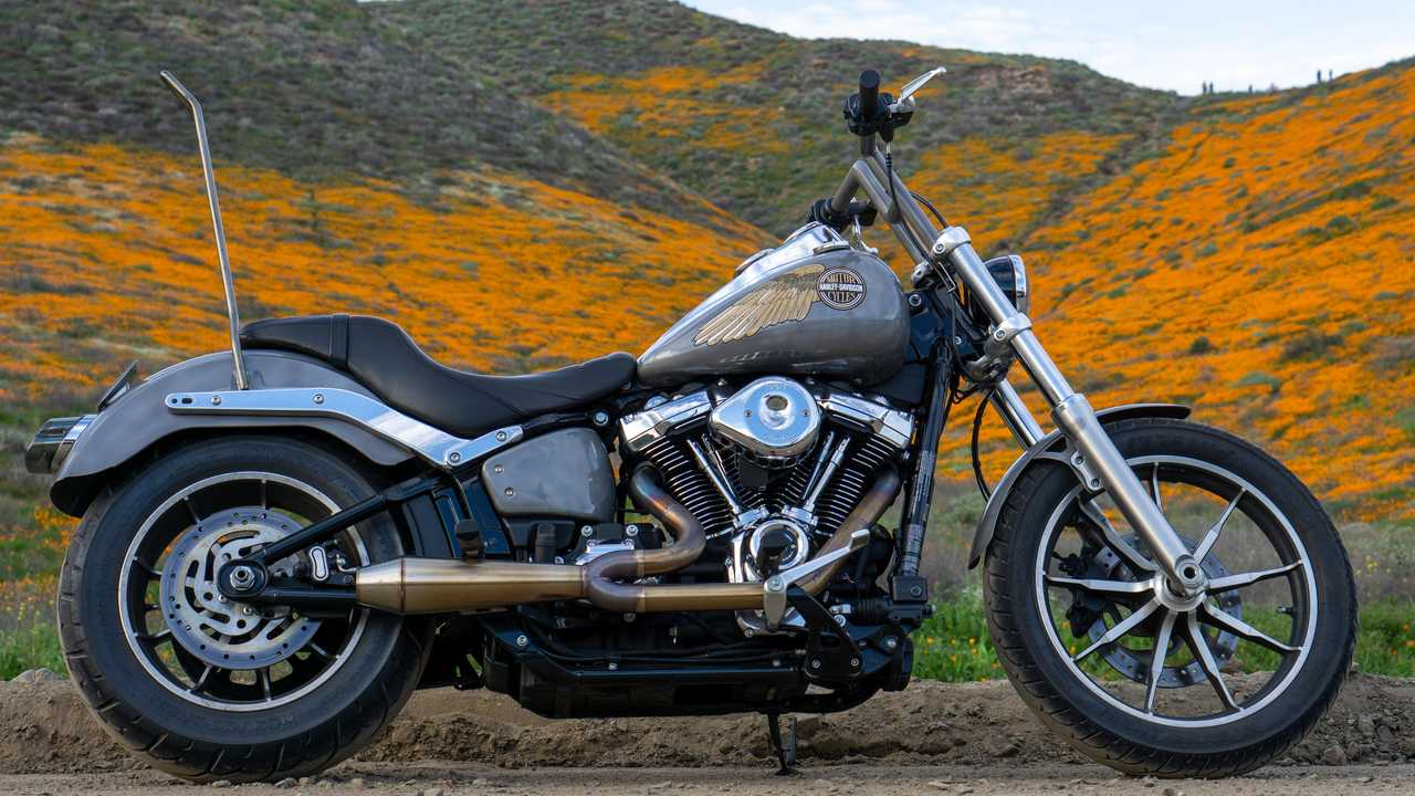 Meet The RideApart Team's Bikes: Dustin's Harley-Davidson Softail