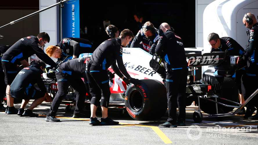 Williams furloughs staff, management and drivers take pay cuts