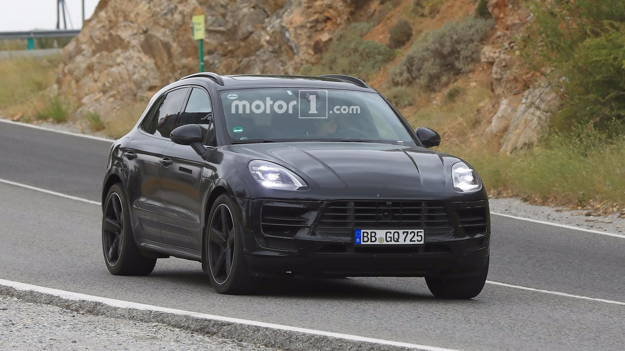2018 porsche macan facelift photographed inside and out. Black Bedroom Furniture Sets. Home Design Ideas