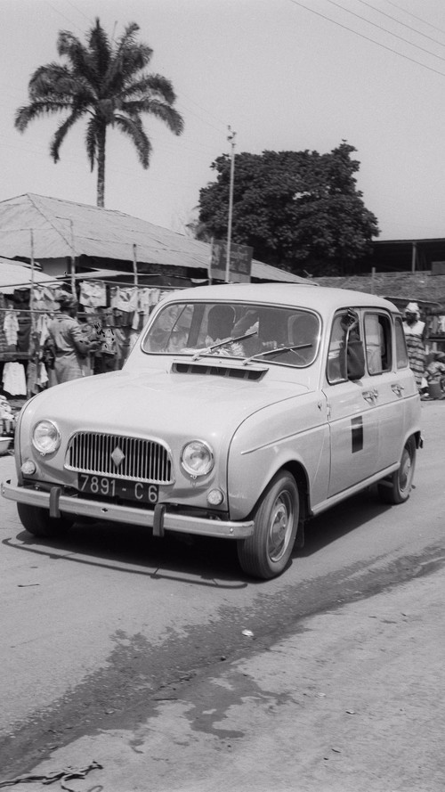 Renault 4 images d'archives