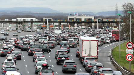 Gilets Jaunes - Vinci va demander aux automobilistes de payer leur passage gratuit au péage !