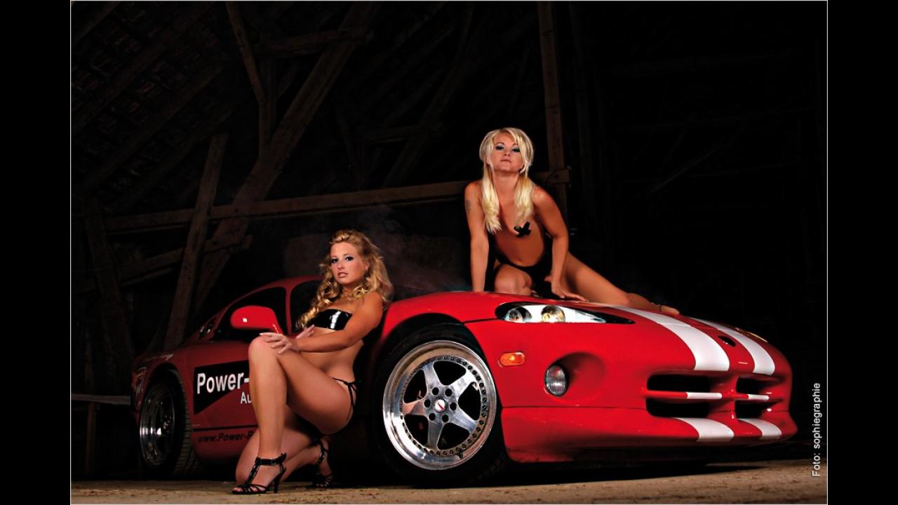 Dodge Viper mit Jana und Angelique