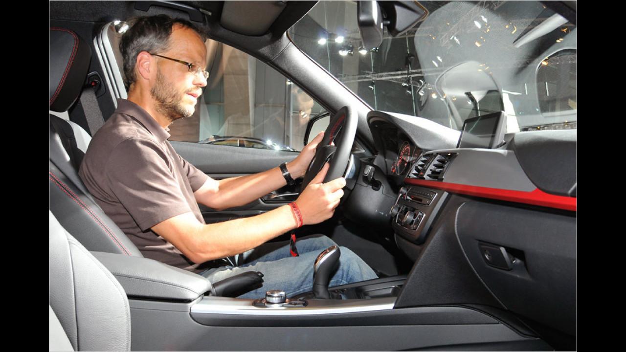 Fahrerorientiertes Cockpit