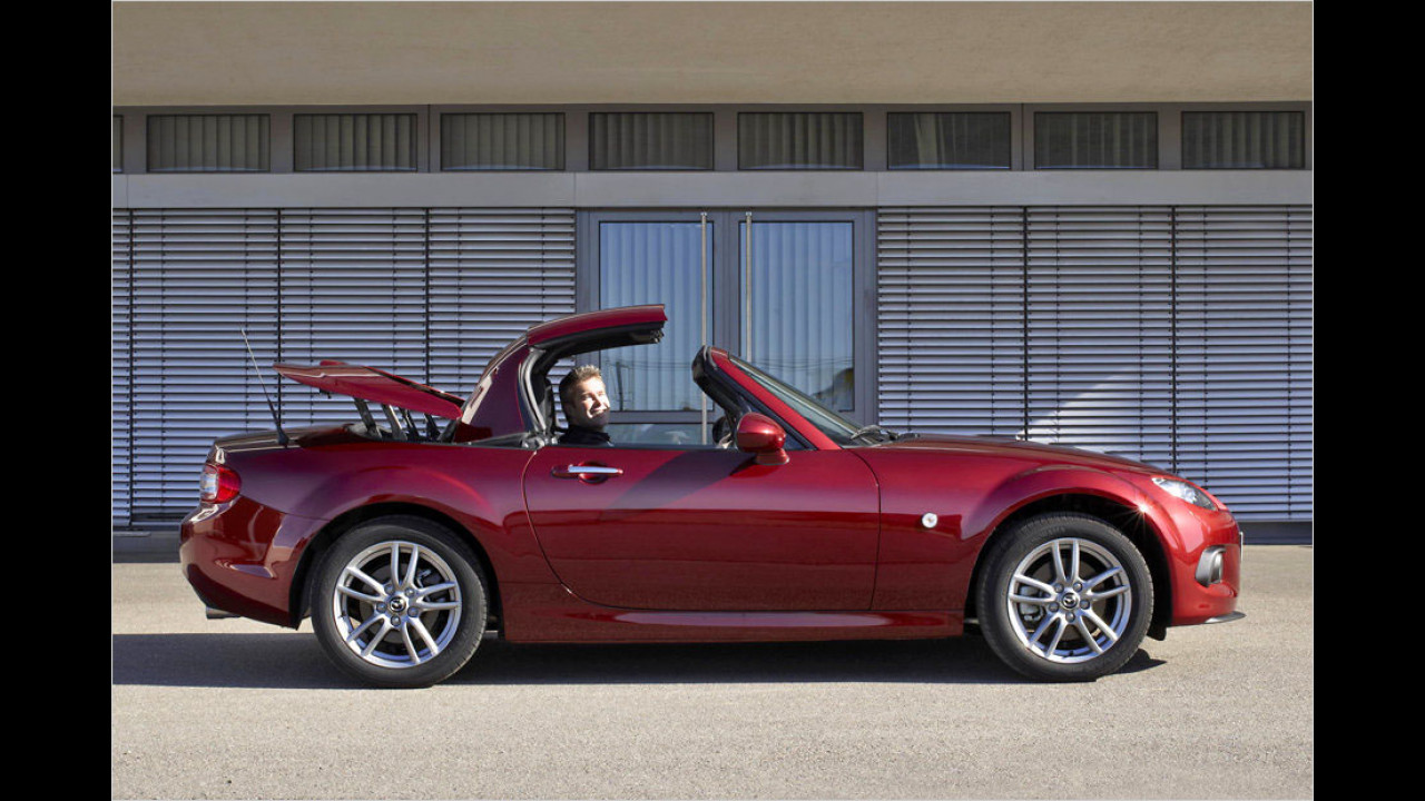 Mazda MX-5 Roadster Coupé (12 Sekunden, nur im Stand)