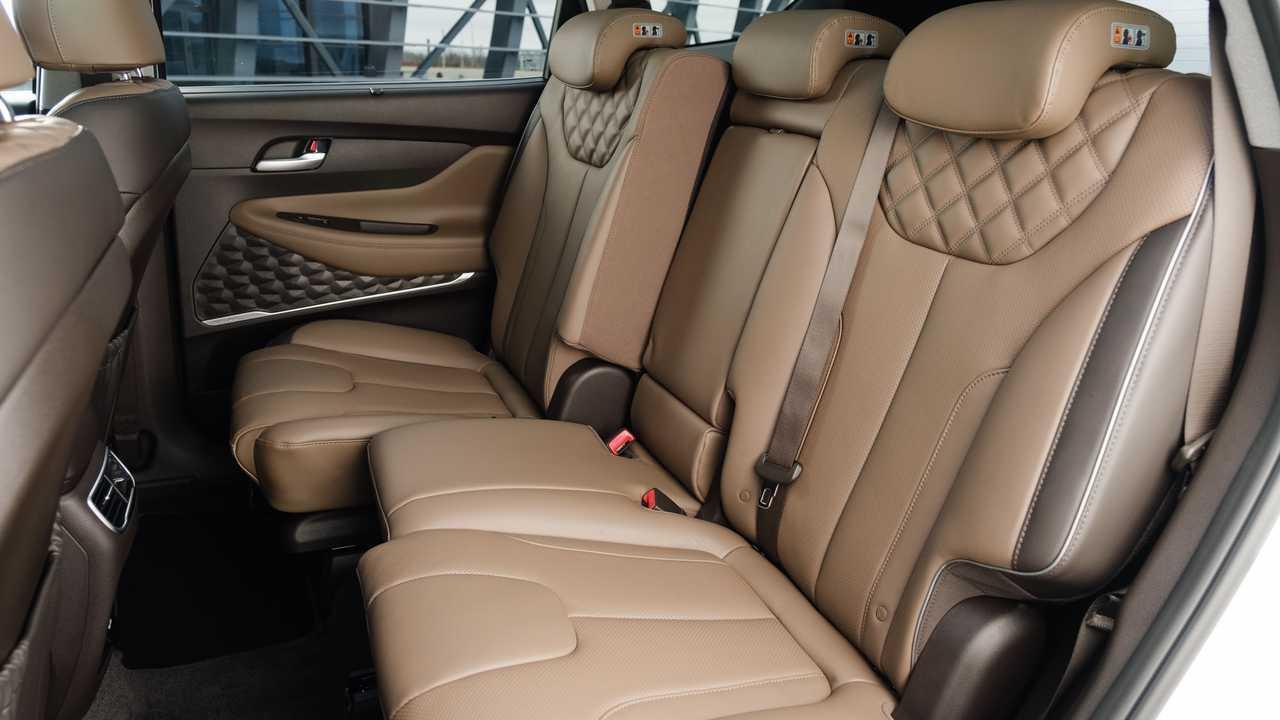 Обновленный Hyundai Santa Fe для России, второй ряд сидений