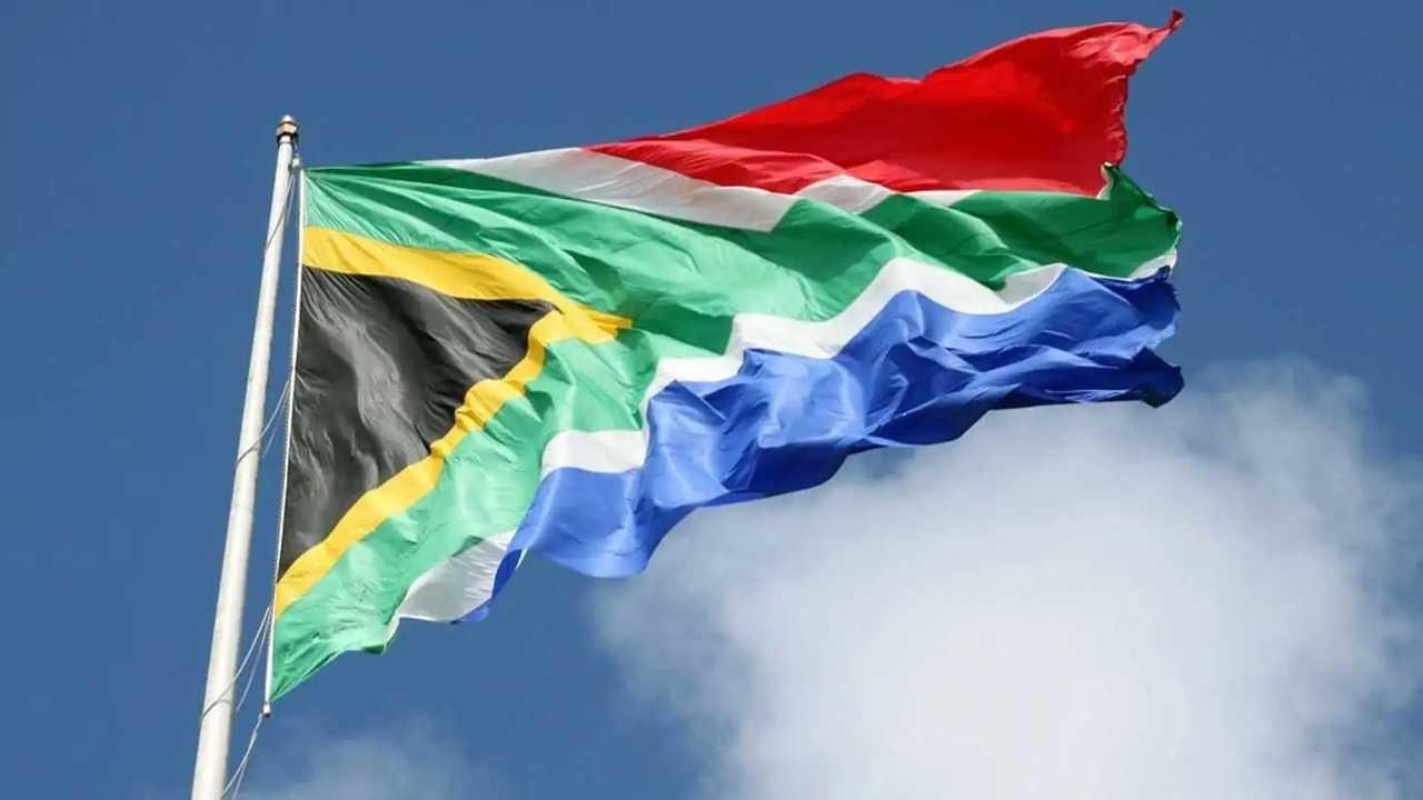 La bandiera del Sud Africa che sventola