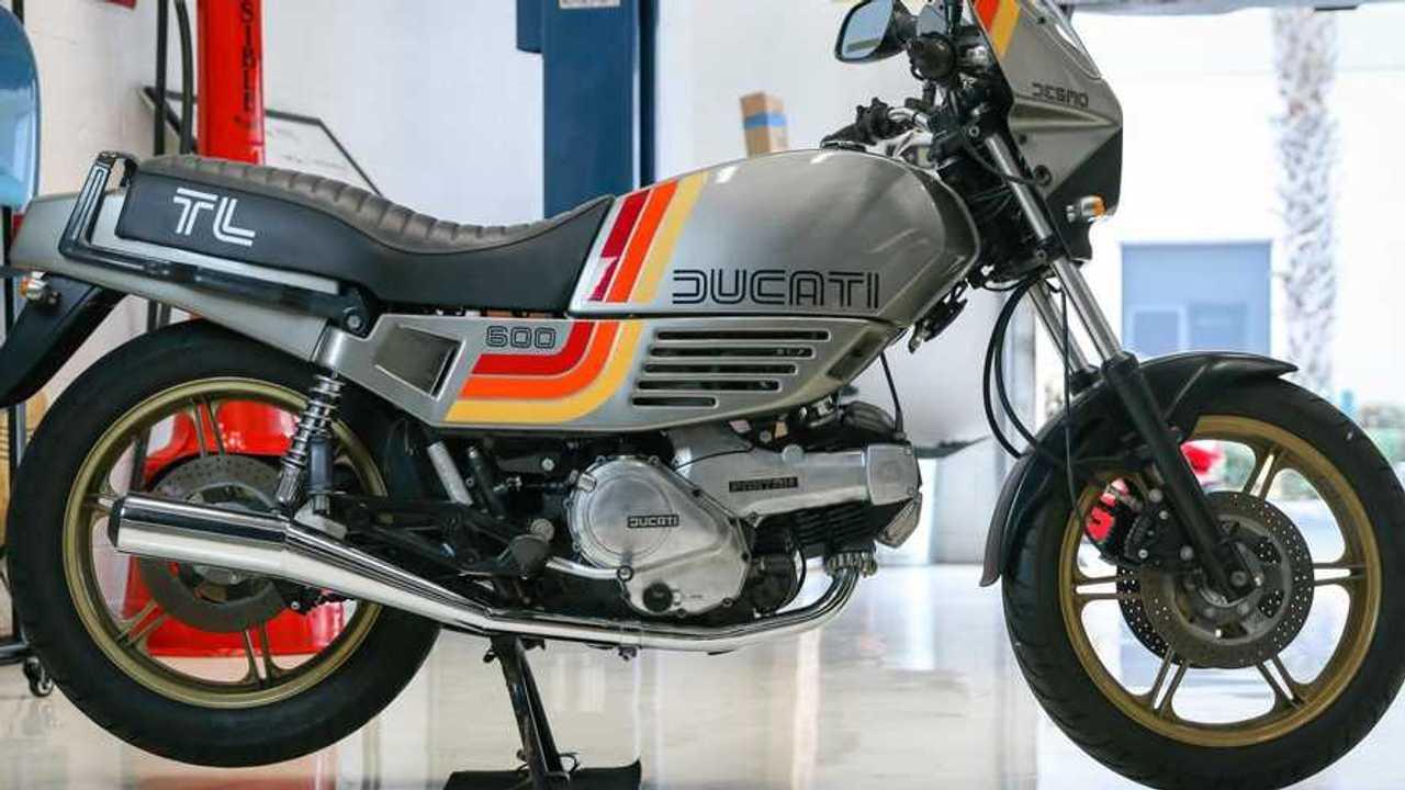 1985 Ducati Pantah 600TL - Right Side Profile