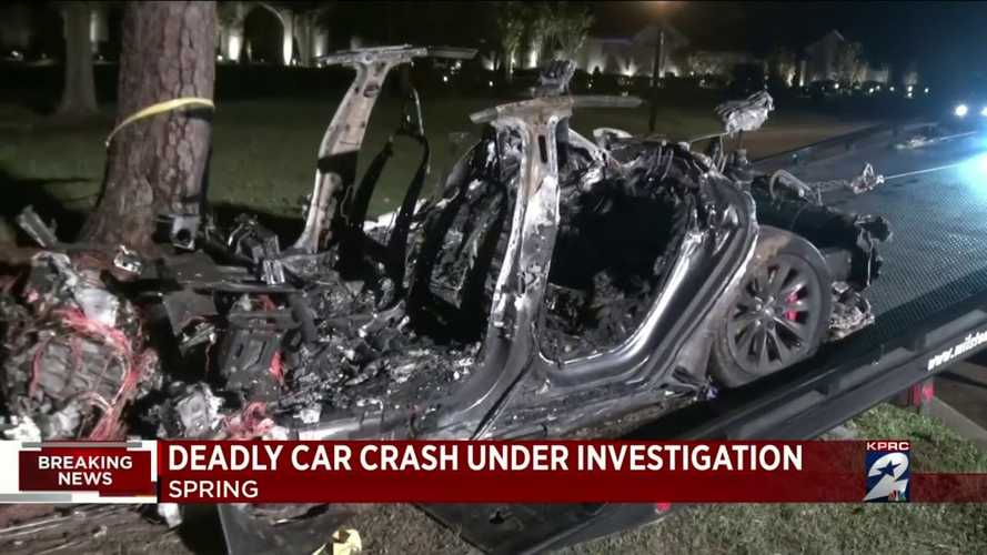 Tesla says Texas crash likely had someone in the driver's seat