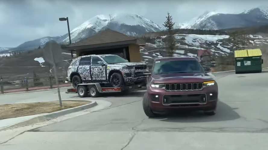 Jeep Grand Cherokee'den yeni casus görüntüler geldi