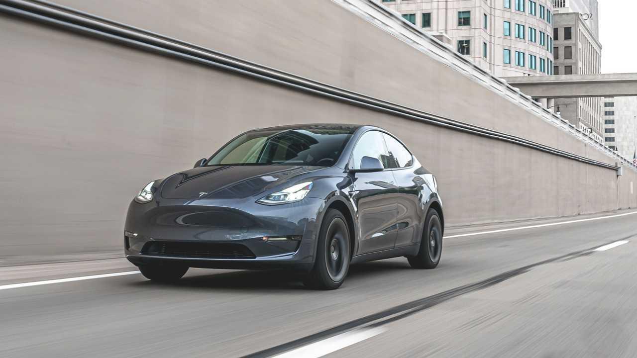 Tesla Model Y - giugno