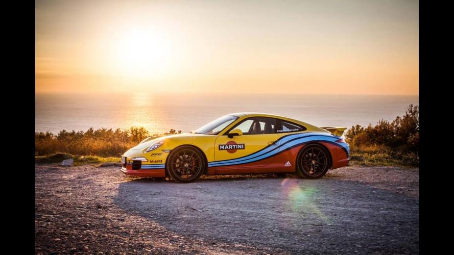 """Porsche """"veste"""" 911, Cayenne, Macan e Panamera com as cores da Martini Racing"""