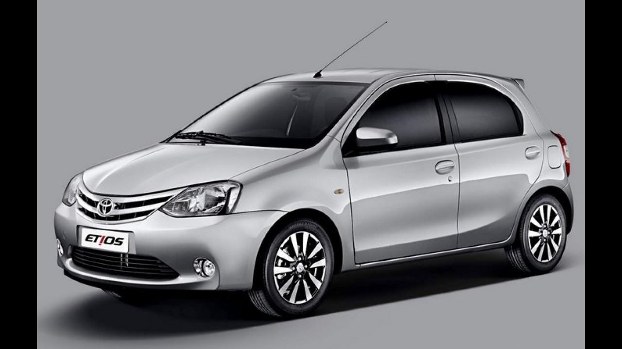 Toyota Etios ganha edição Platinum nas versões hatch e sedã