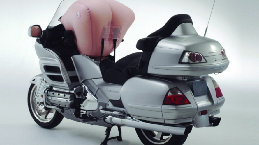 Honda, campagna di richiamo per GL 1800 Goldwing
