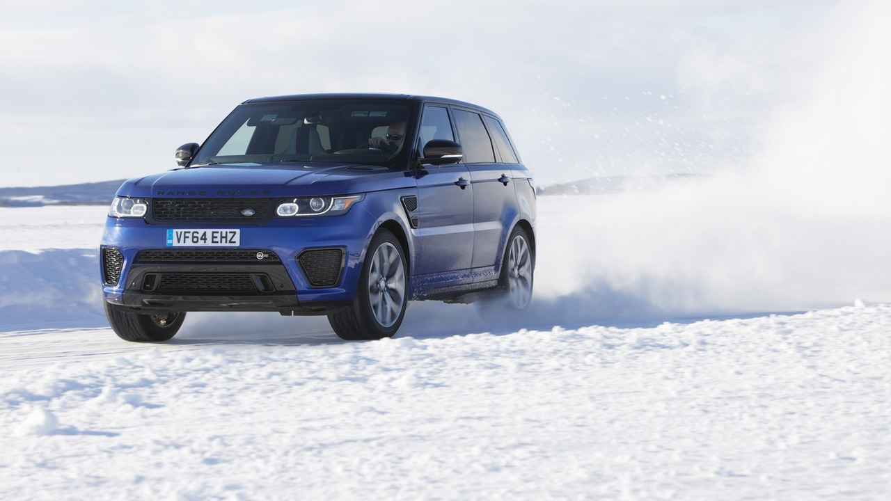 Range Rover Sport SVR on ice