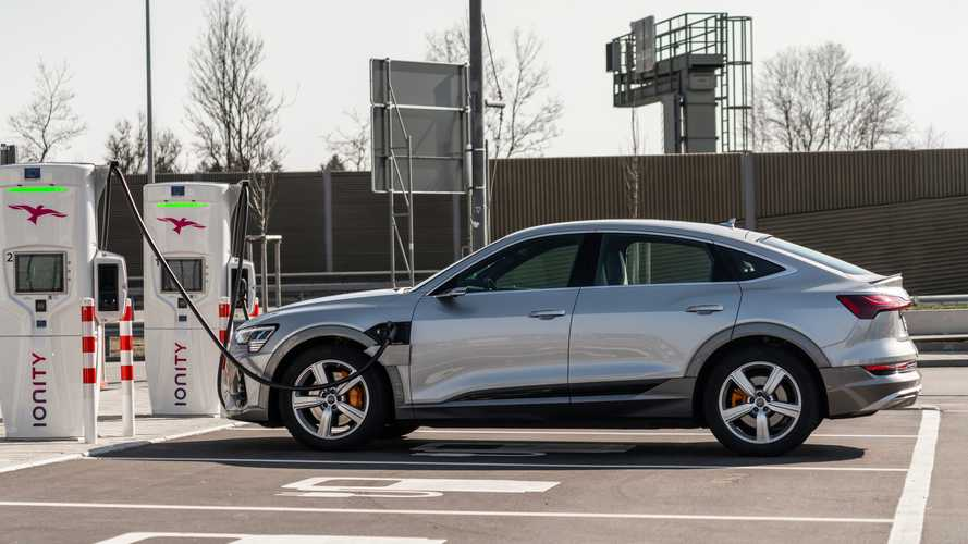 Audi e-tron fast charging