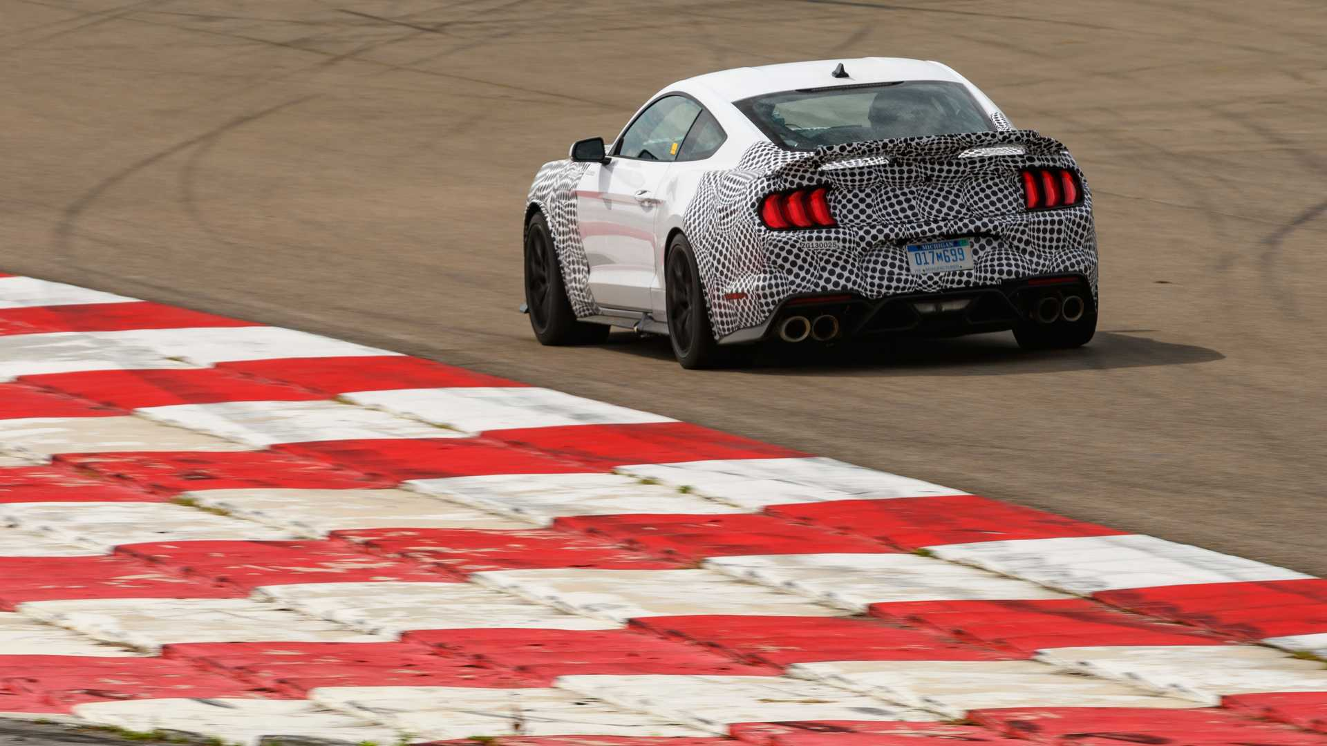 2014 - [Ford] Mustang VII - Page 18 2021-ford-mustang-mach-1-track-testing