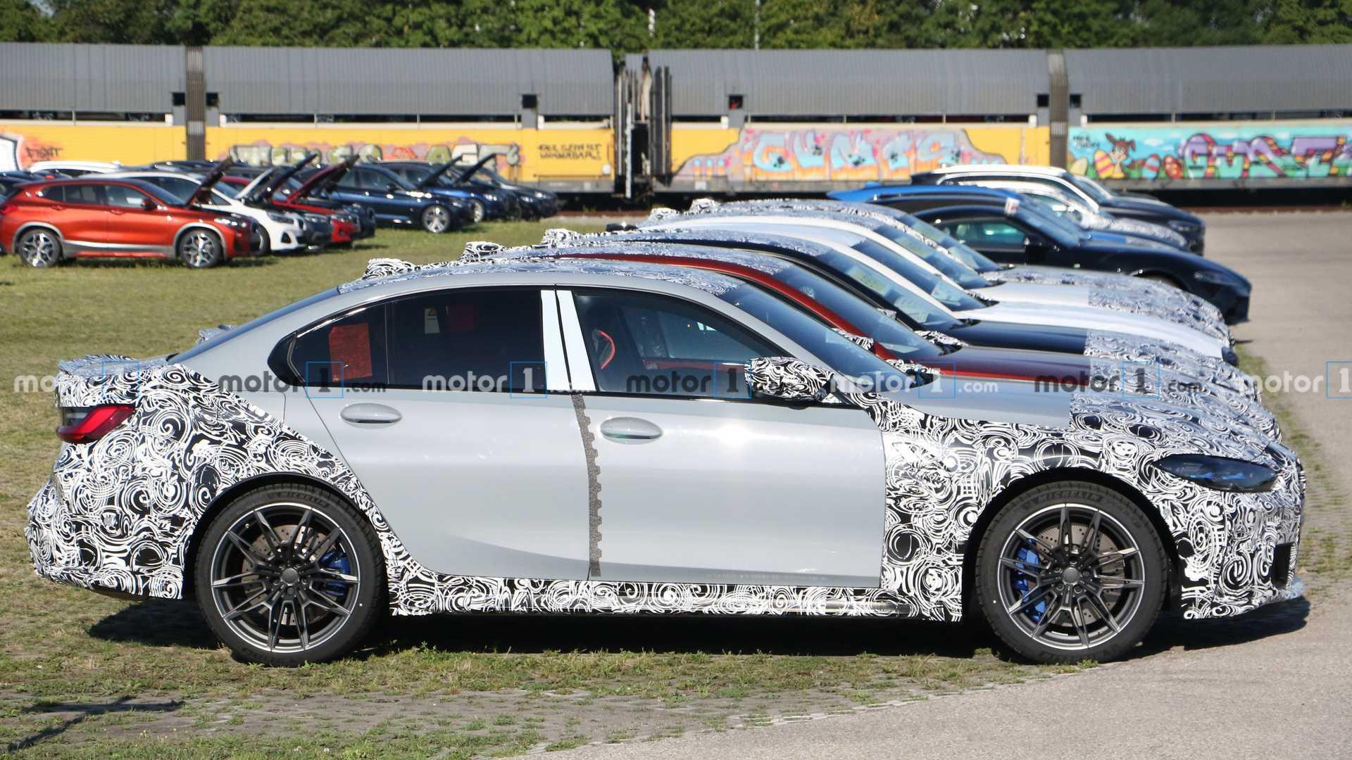2021-bmw-m3-sedan-light-camo