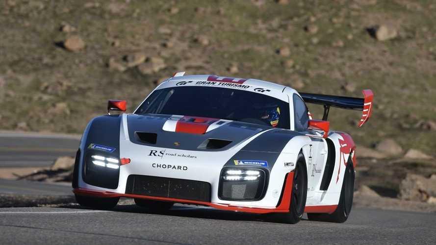Ez a gyönyörű Porsche 935-ös is részt vesz az Egyesült Államok leghíresebb hegyifutamán