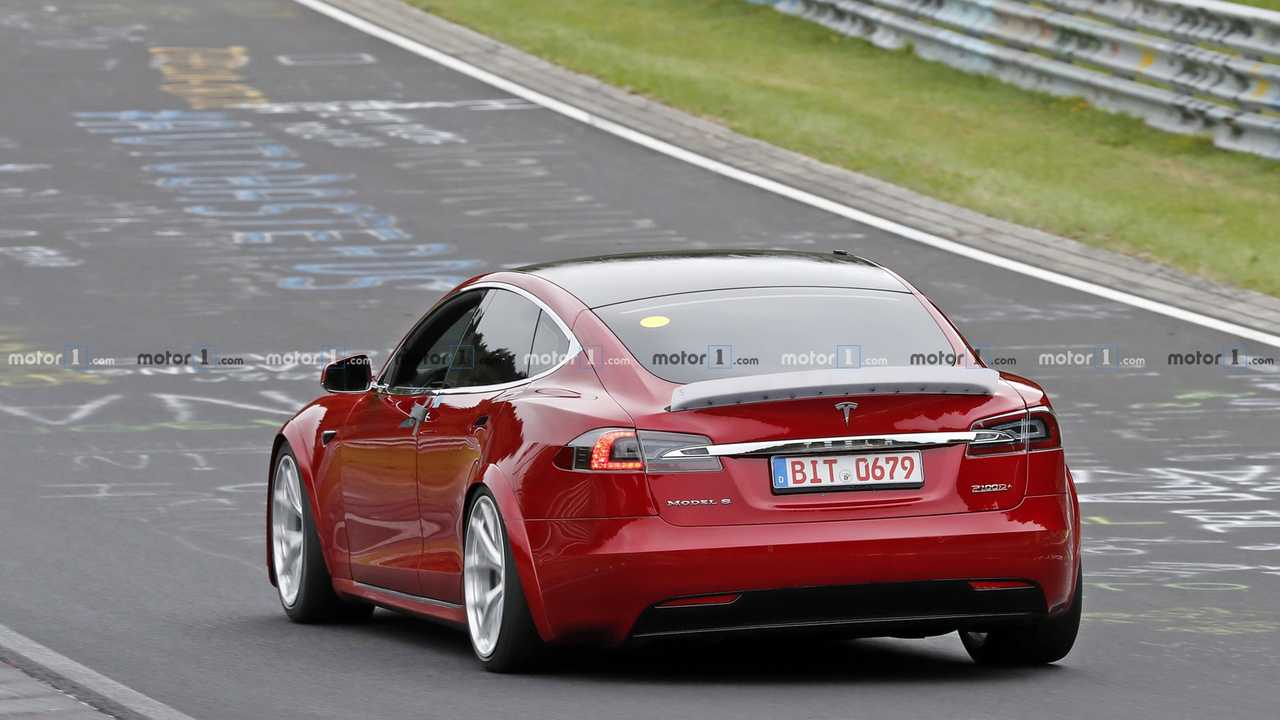 Tesla Model S Foto spia plaid