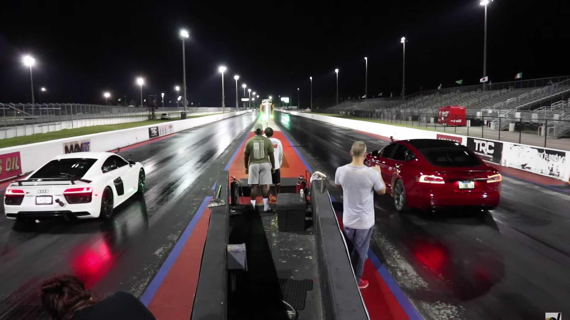 Tesla Model S Performance Raven Drag Races Audi R8 V10 Plus