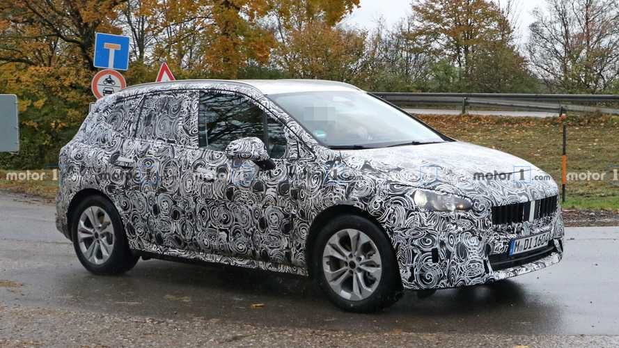 BMW 2 Series Active Tourer spied showing its interior