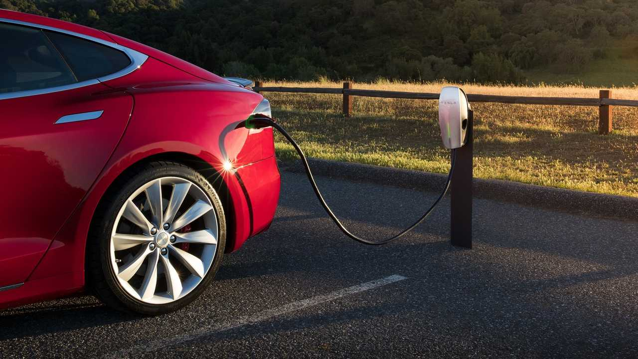 insideevs.com - EVANNEX - Is It Time For Hotels To Offer EV Charging Stations?