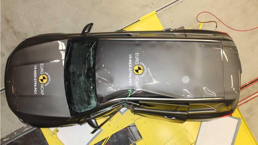 Посмотрите, как Mazda CX-30 зарабатывает высший балл за безопасность