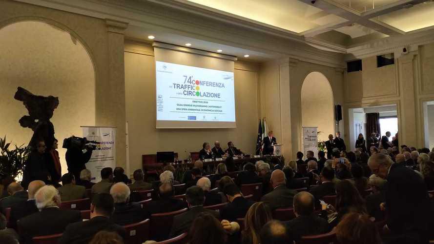 Emissioni auto, l'Italia può sfiorare gli obiettivi Ue senza incentivi