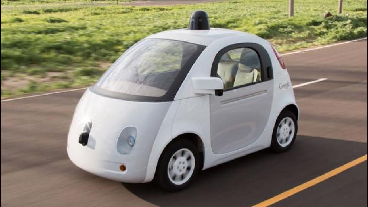 [Copertina] - Guida autonoma: Google, Mercedes e Volvo saranno responsabili per gli incidenti