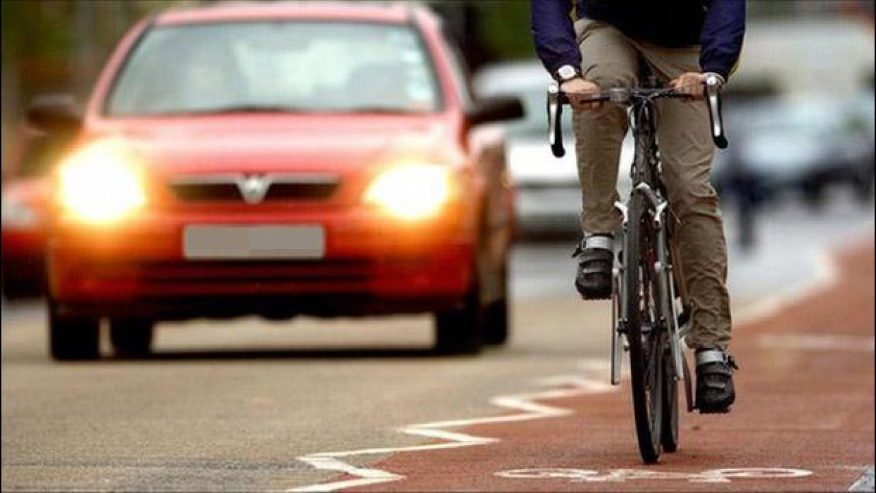 [Copertina] - I 10 comandamenti per gli automobilisti (dal punto di vista del ciclisti)