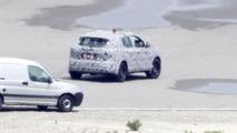 2014 Nissan Qashqai spy photo 06.6.2013